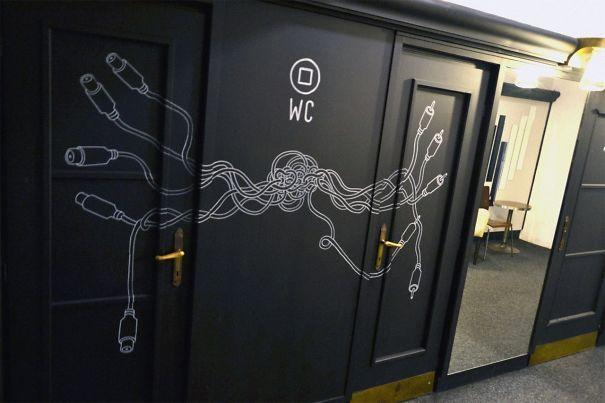 102 Of The Most Creative Bathroom Signs Ever Bad Zeichen Lustiges Badezimmer Toilettenzeichen