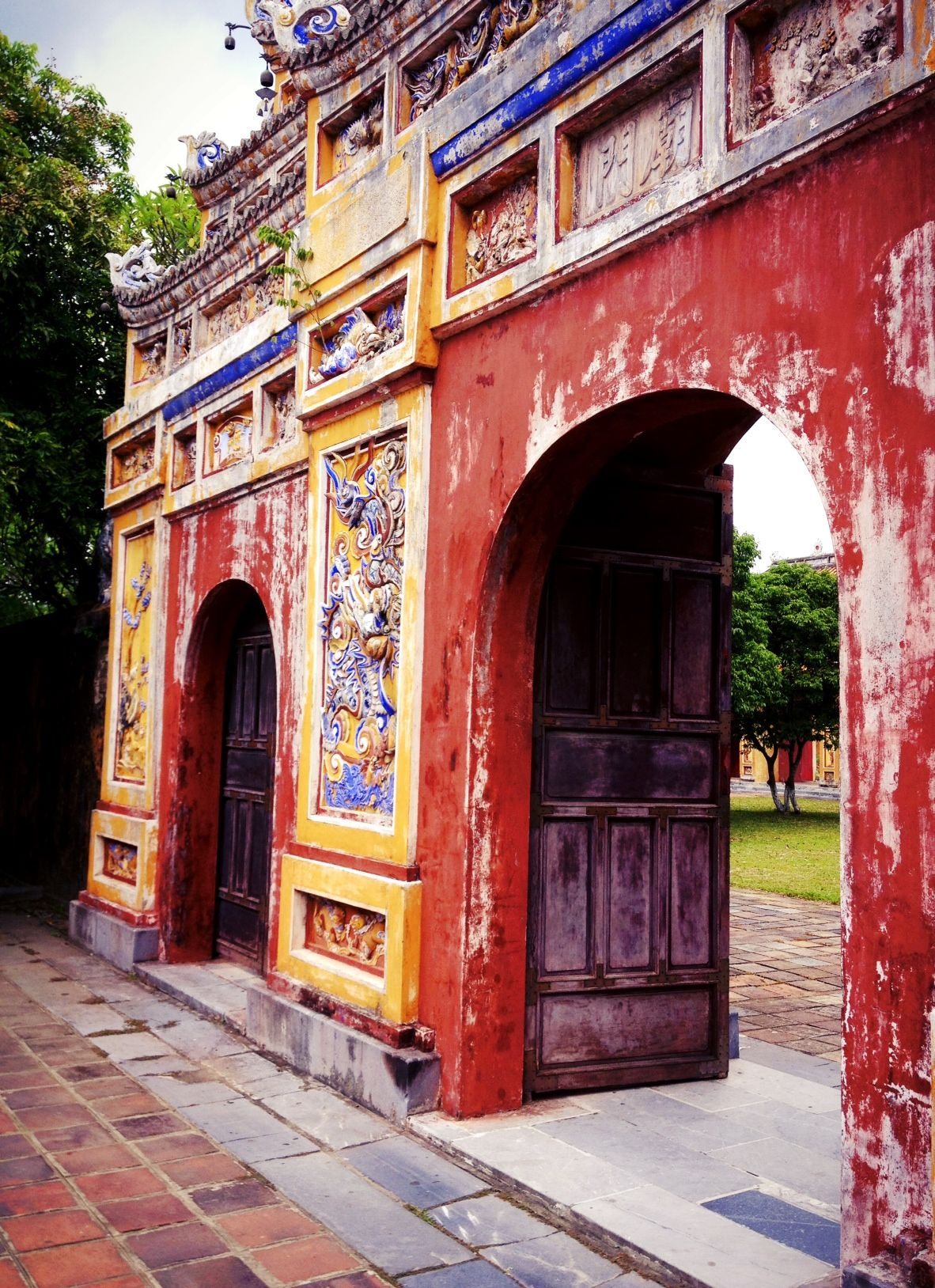 Vietnam Hue Citadel Forbidden Purple City By Maarten Meuleman Việt Nam Viết Kiến Trúc