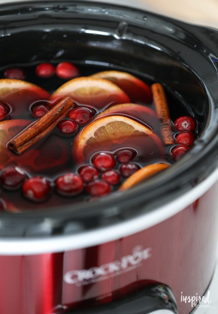 How to Make a Fall Cocktail in a Crock-Pot – Thanksgiving Sangria –