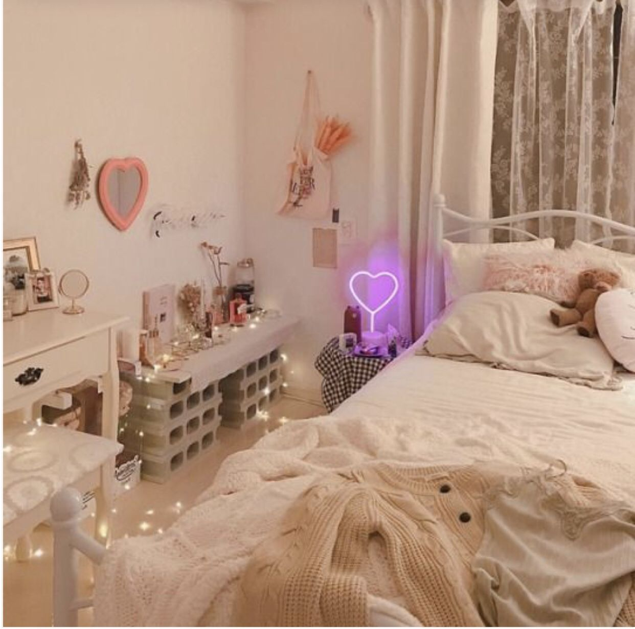 Pin by Hi Baby on ROOM IDEAS | Aesthetic bedroom, Pastel ...