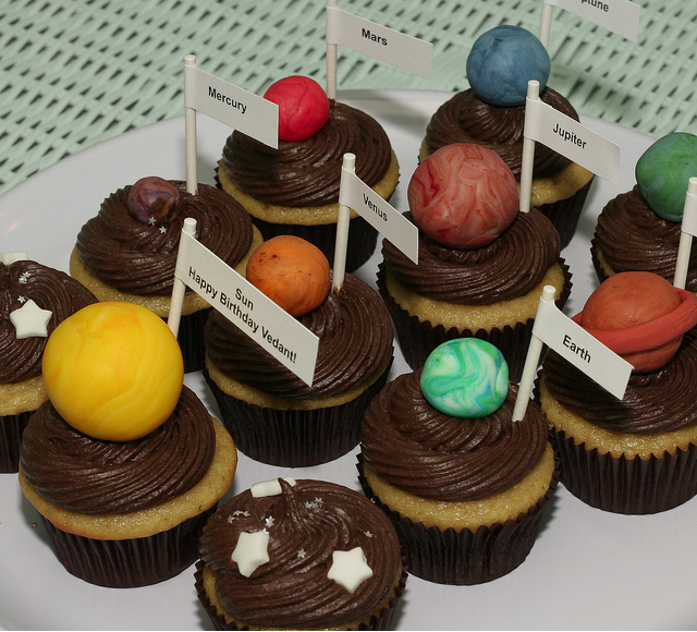 solar system cupcakes | Blast Off! | Pinterest | Solar ...