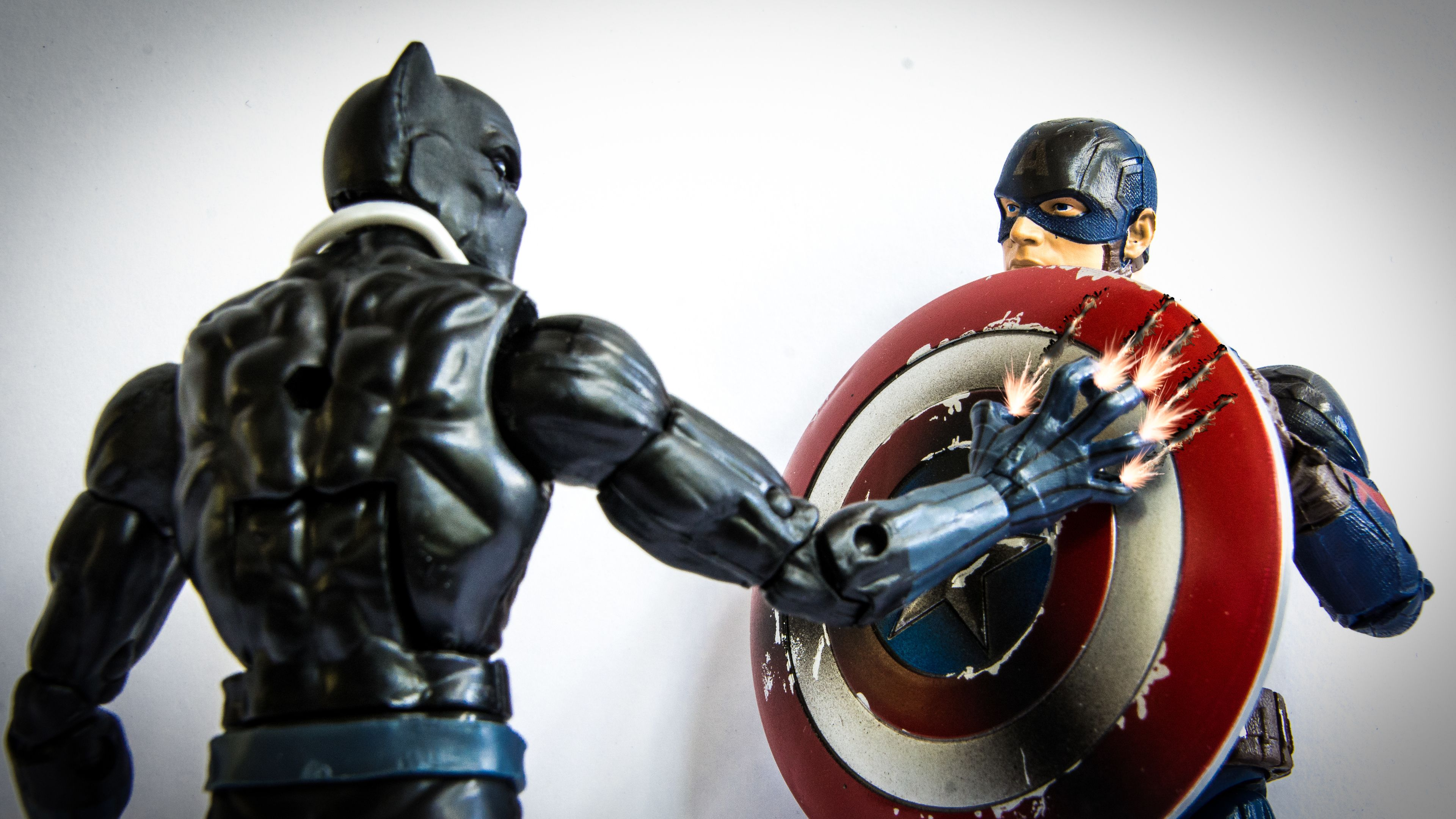 Black Panther And Captain America Shield Shield Wallpapers Hd Wallpapers Captain America Wallp Captain America Wallpaper Captain America Shield Black Panther