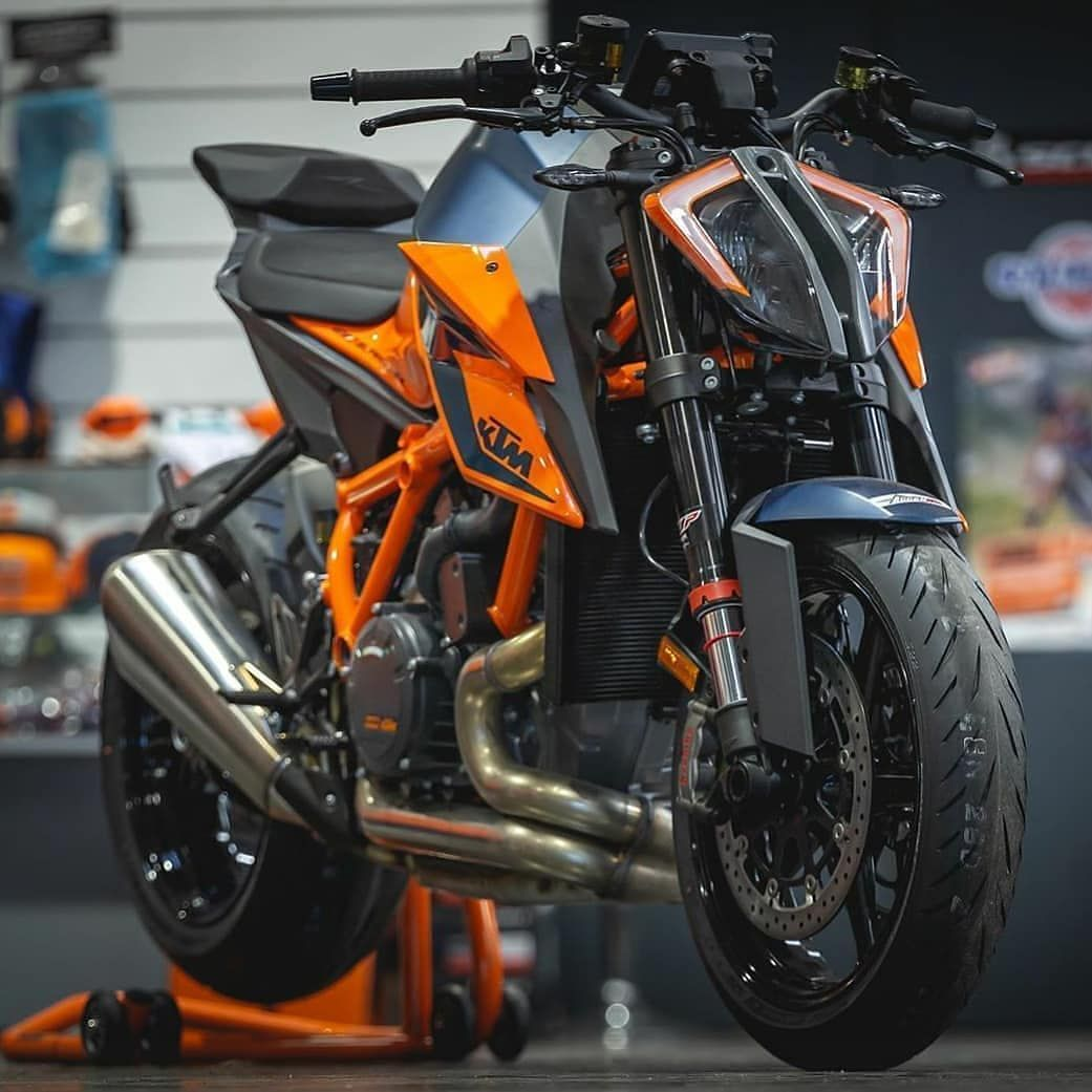 Pin by Ⓜ︎Ⓡ.ⒹⓊⒹⒺ on Vehicles in 2020 Sports bikes