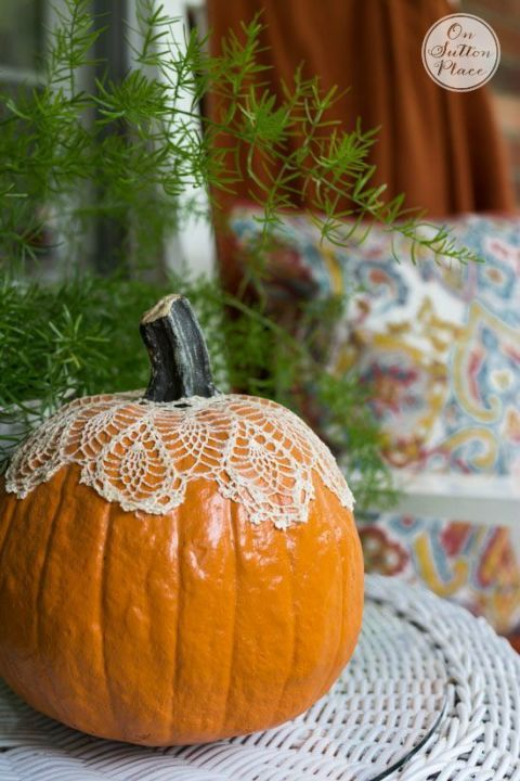 50 Cozy Ways to Decorate Your Home for Fall HALLOWEEN - ways to decorate for halloween