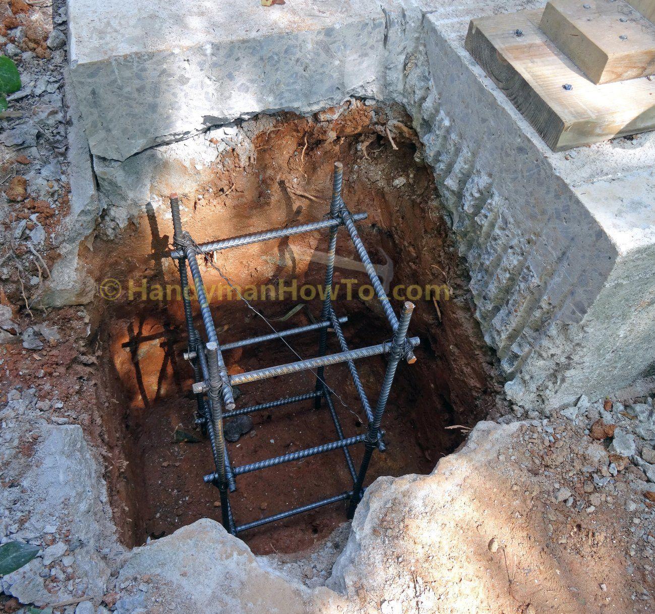 Concrete Rebar Cage In Deck Post Footer Concrete Slab Concrete Deck Posts
