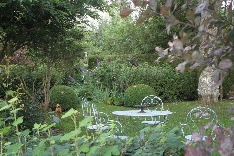 mobilier jardin fer forgé Jardin champêtre Pinterest