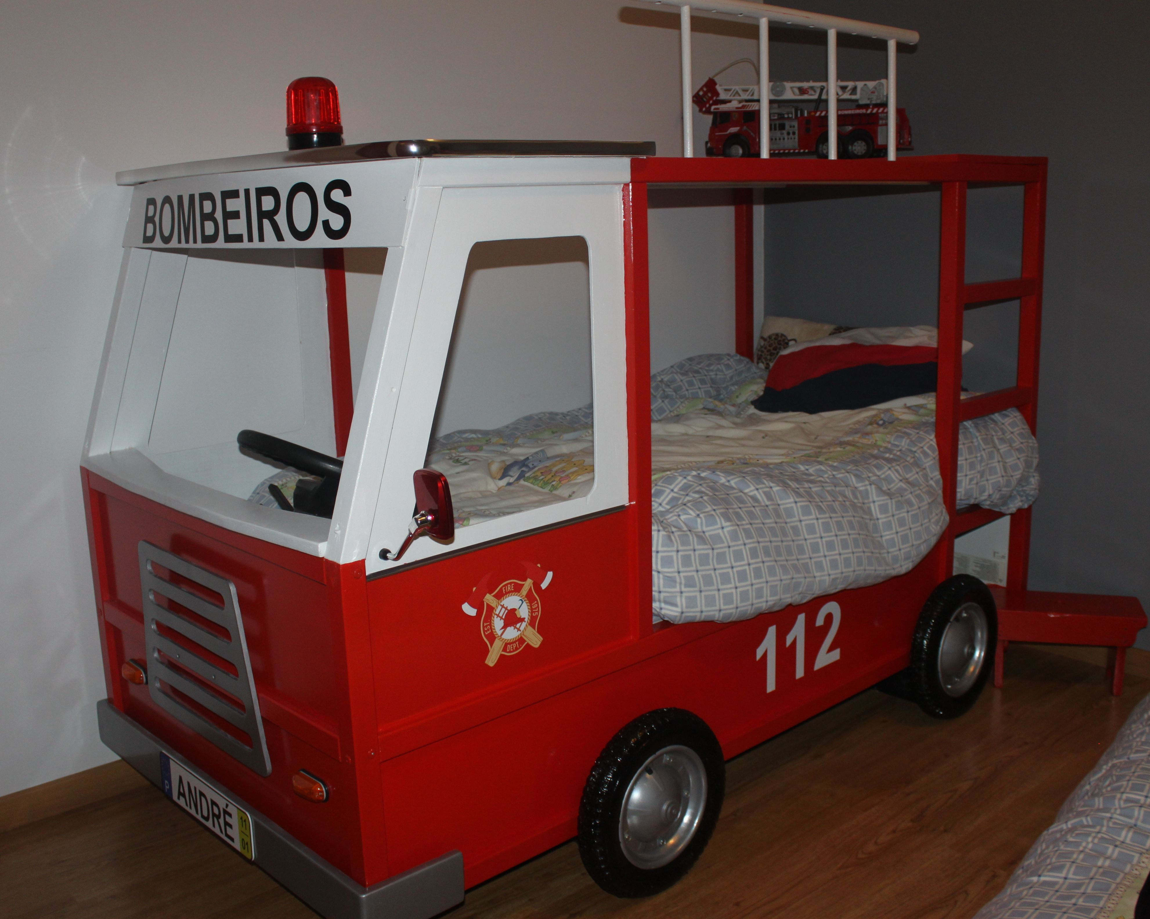 Cama carro de bombeiros 2 kura ikea hack fire truck bed as minhas bricolages pinterest - Ikea fire truck bed ...