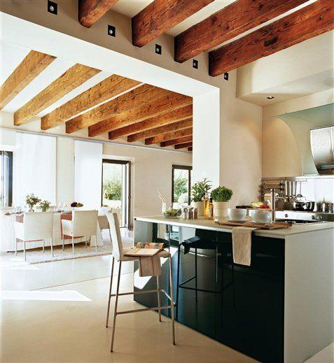Desayuno, comida o cena en la cocina | Cocinas con barra, Fregaderos ...