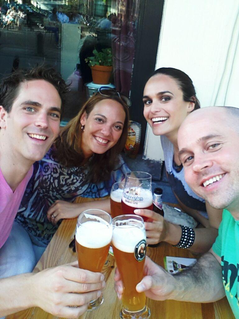 Provando as melhores cervejas do mundo com amigos em Amsterdã! Tem jeito melhor de conhecer um lugar?