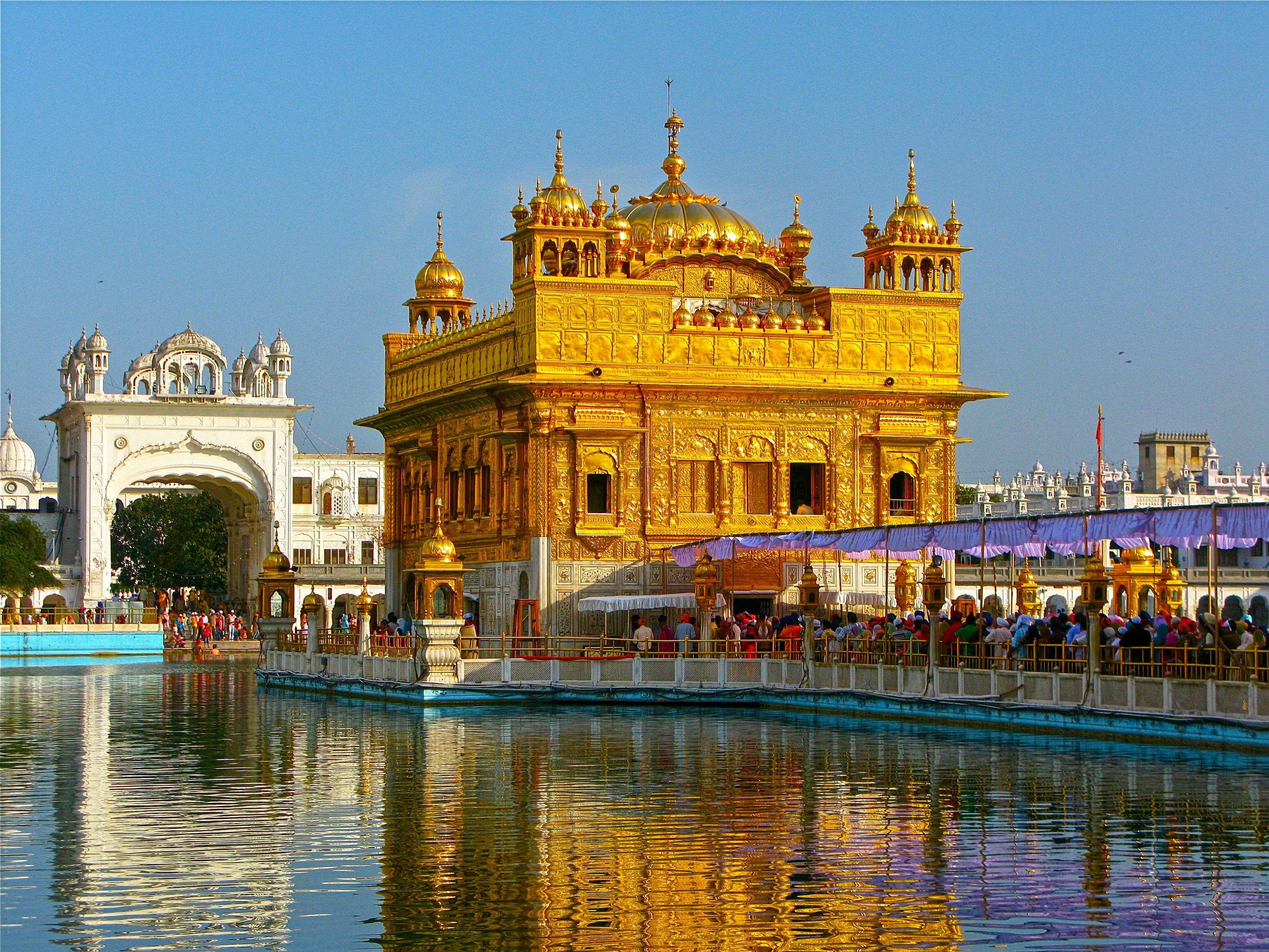 Harmandir Sahib 4k Wallpaper Hdwallpaper Desktop Golden Temple Golden Temple Amritsar Amritsar