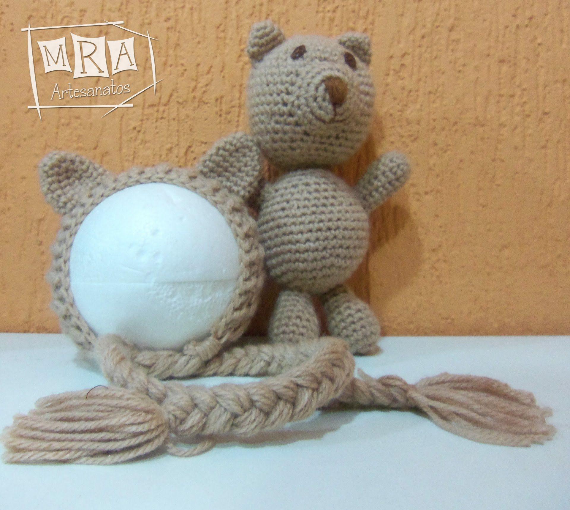 Vídeo aula ensinando a fazer um lindo kit de ursinho contendo uma touca e  um amigurumi de ursinho. Materiais utilizados foram  - Agulhas soft n° 3 866a9cb29c3