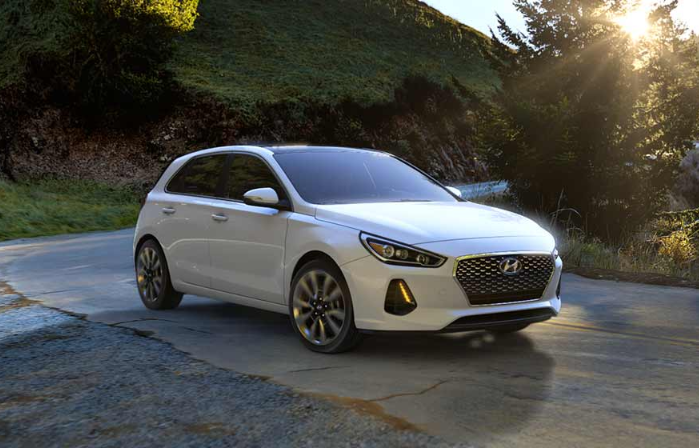 The Turbocharged Hyundai Elantra Gt Sport Can Be Combined With A Quick Six Speed Stick Or For Those Who Prefer Not To Row T New Cars Elantra Hyundai Elantra
