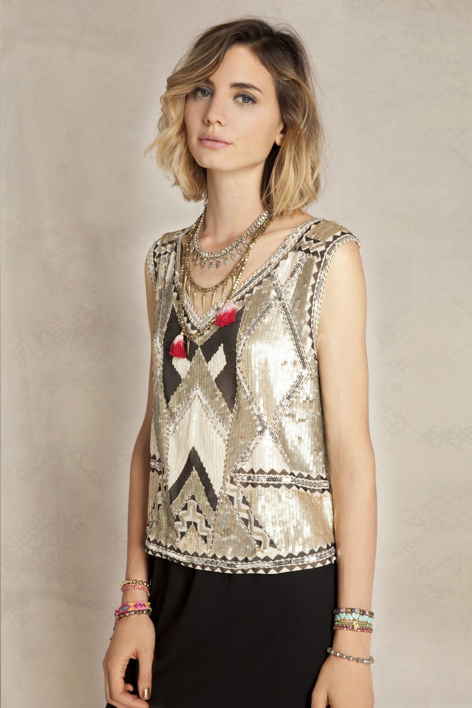 Visitá la nueva colección Invierno 16 en Rapsodia.com > Top Selena Haim