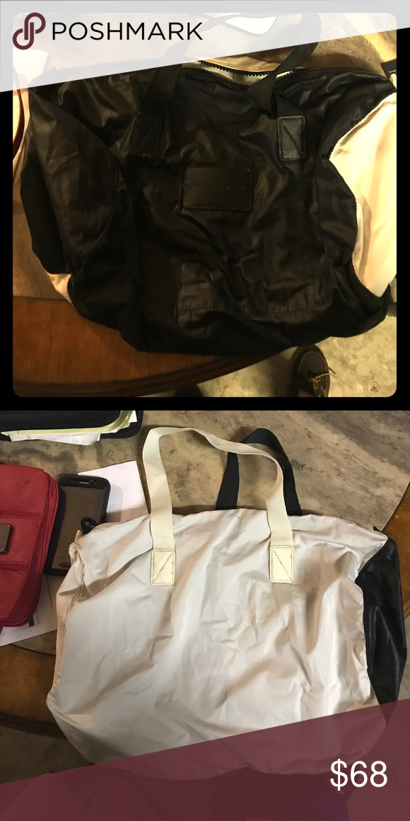 9814fc1fe4 Duffle bag Perfect carry on bag. Great condition , medium sized Marc By Marc  Jacobs Bags Travel Bags