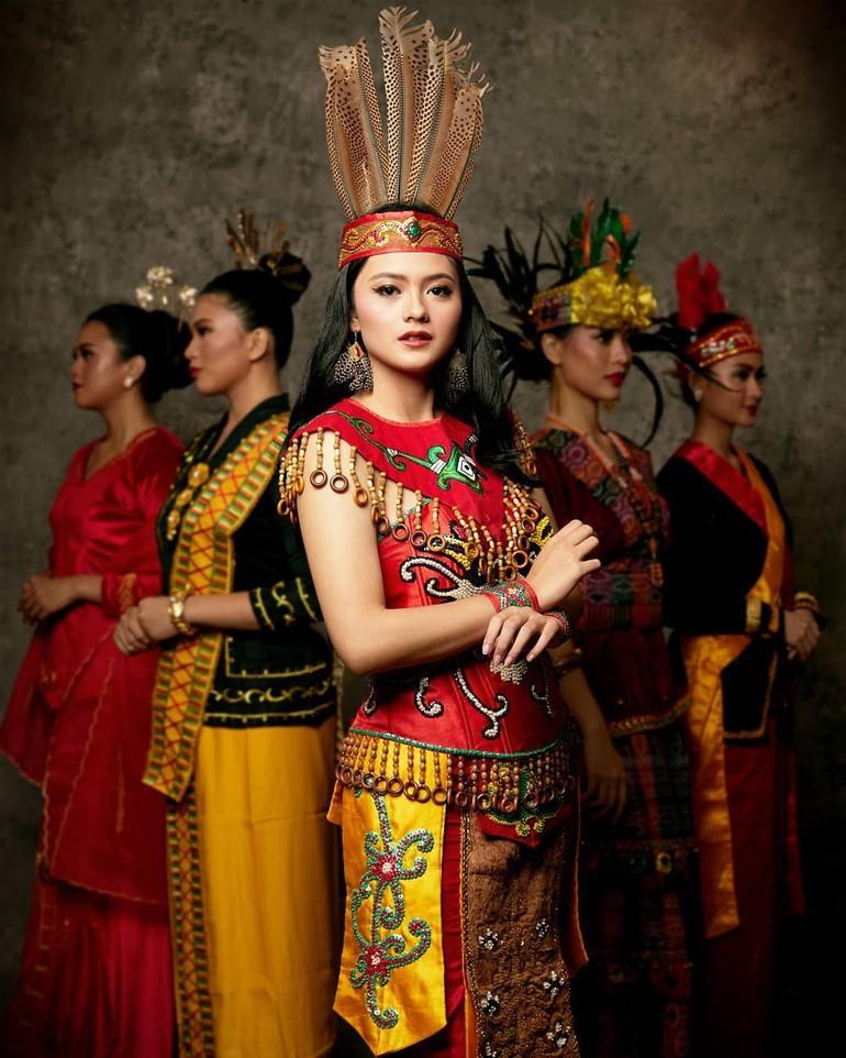Baju Adat Kalimantan
