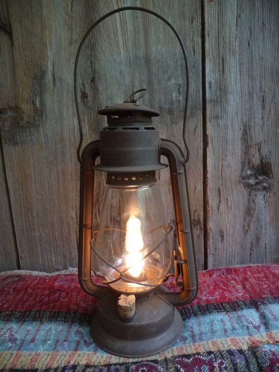 Primitive Rusty Electric Vintage Dietz Junior Barn Lantern ...