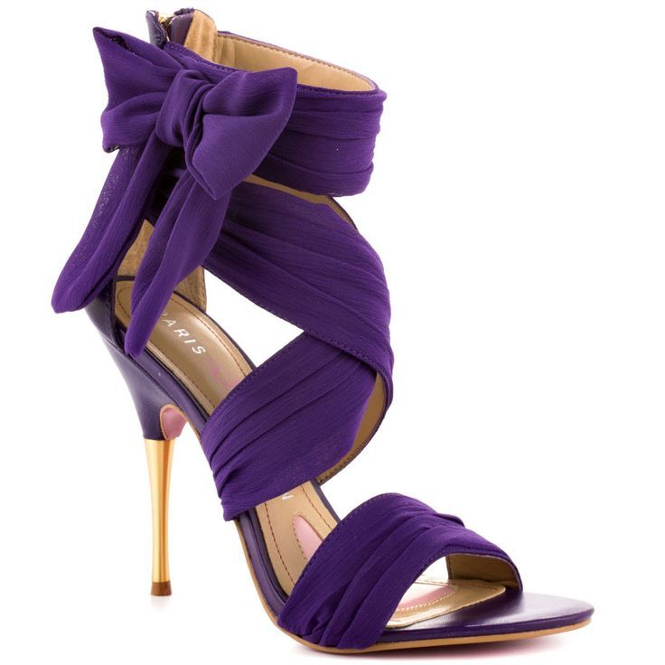 Purple wedding shoe