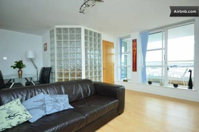 2 Bed Apartment With River Views In London Rent In London Flat Rent Home Decor