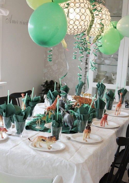 zoo safari party table adventure parties birthday party table rh pinterest com