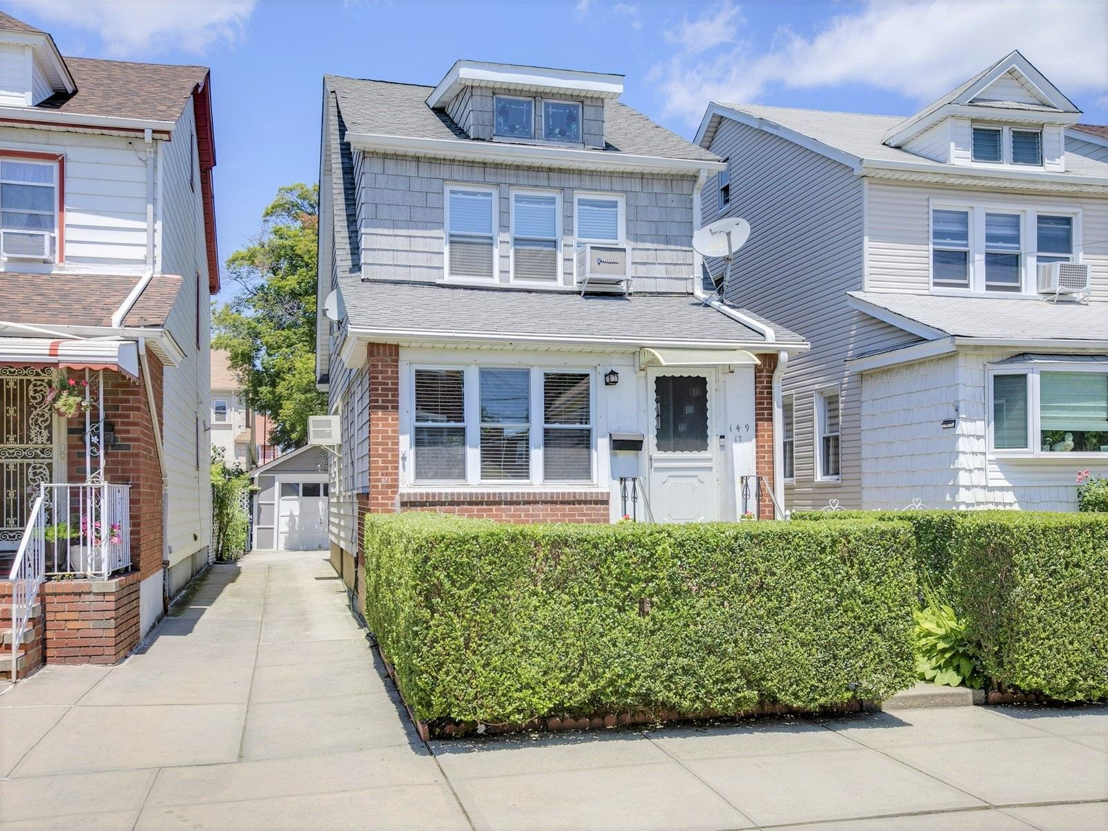 14917 20th Rd, Flushing, NY 11357 House styles, Mansions