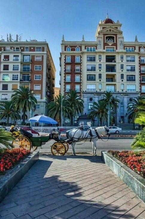 Diputación de Málaga, desde la plaza de la Marina