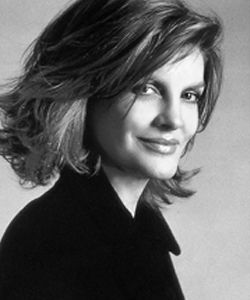 rene russo Loved this haircut! Wish I could find someone ...