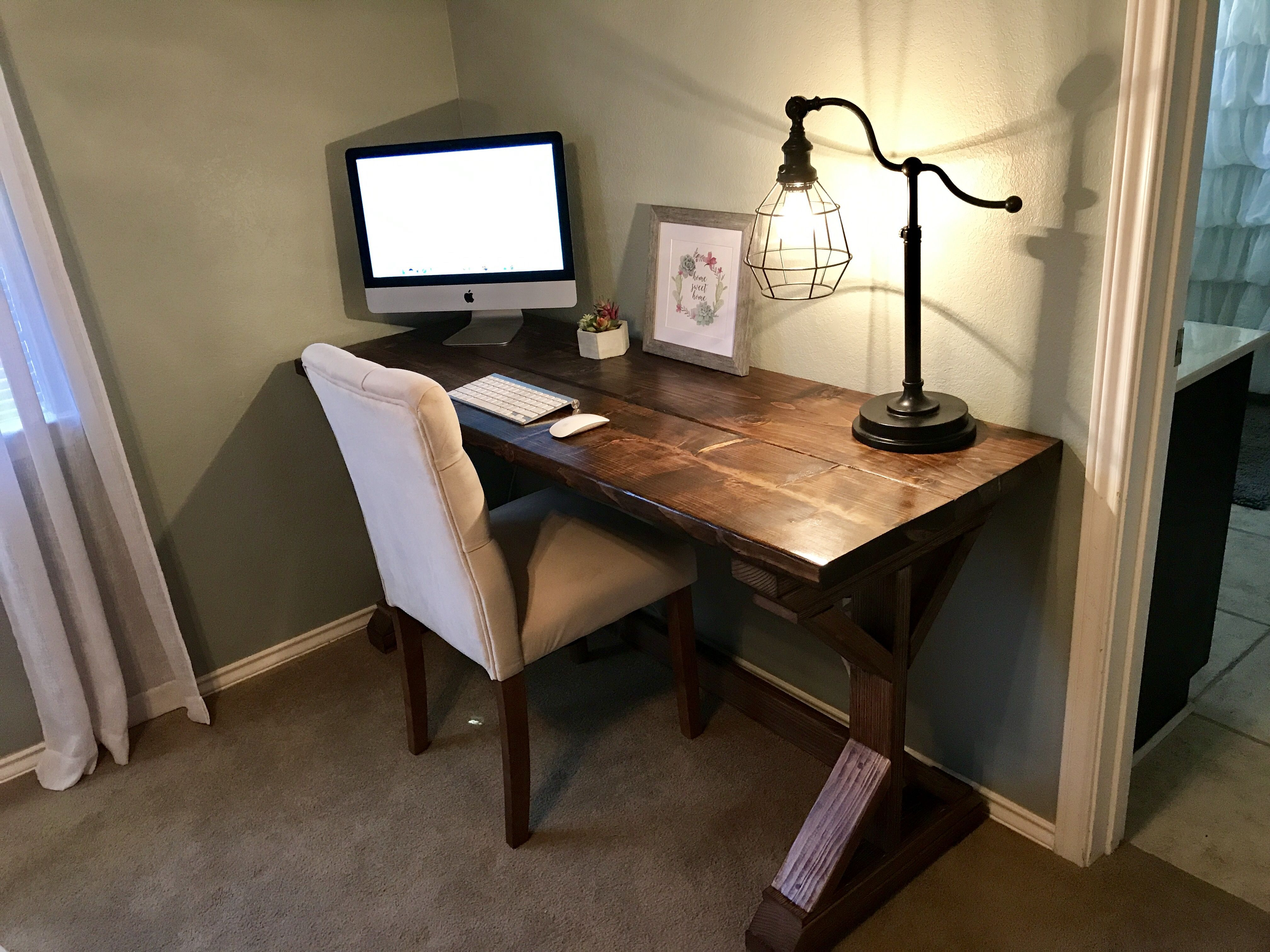 Ana White Farmhouse Desk Diy Projects Farmhouse Desk Wooden Computer Desks Small Wooden Computer Desk