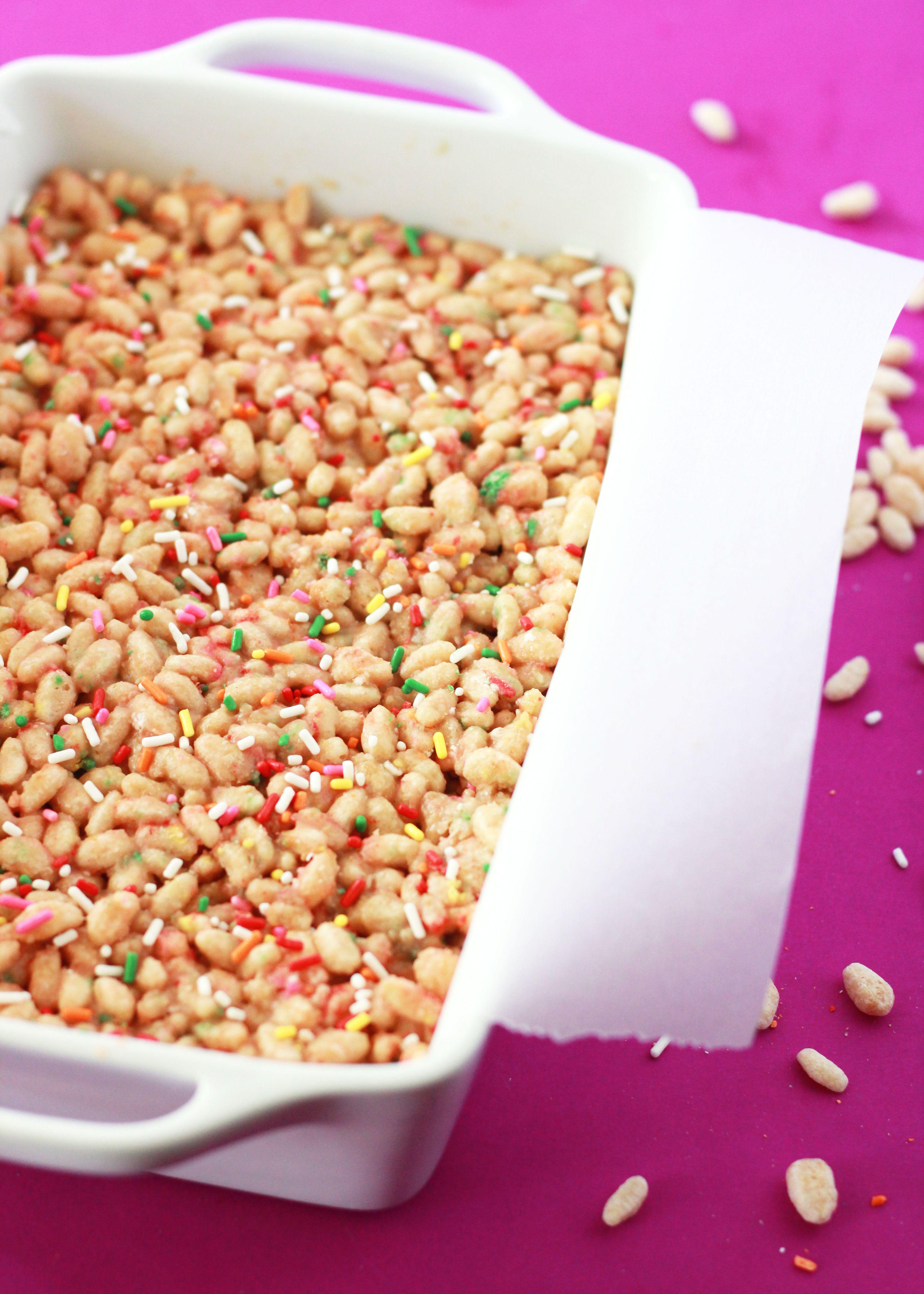 8-minute simple + delicious funfetti tahini rice crisp treats. A healthier alternative to the classic rice crispy treat.