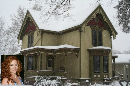 Photo: house/residence of the charming 0.5 million earning Howell, Michigan-resident