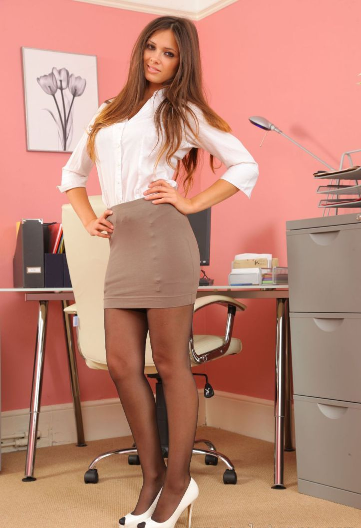 Louisa British Hot Model Marie Office Outfits Hottest Mylust 1