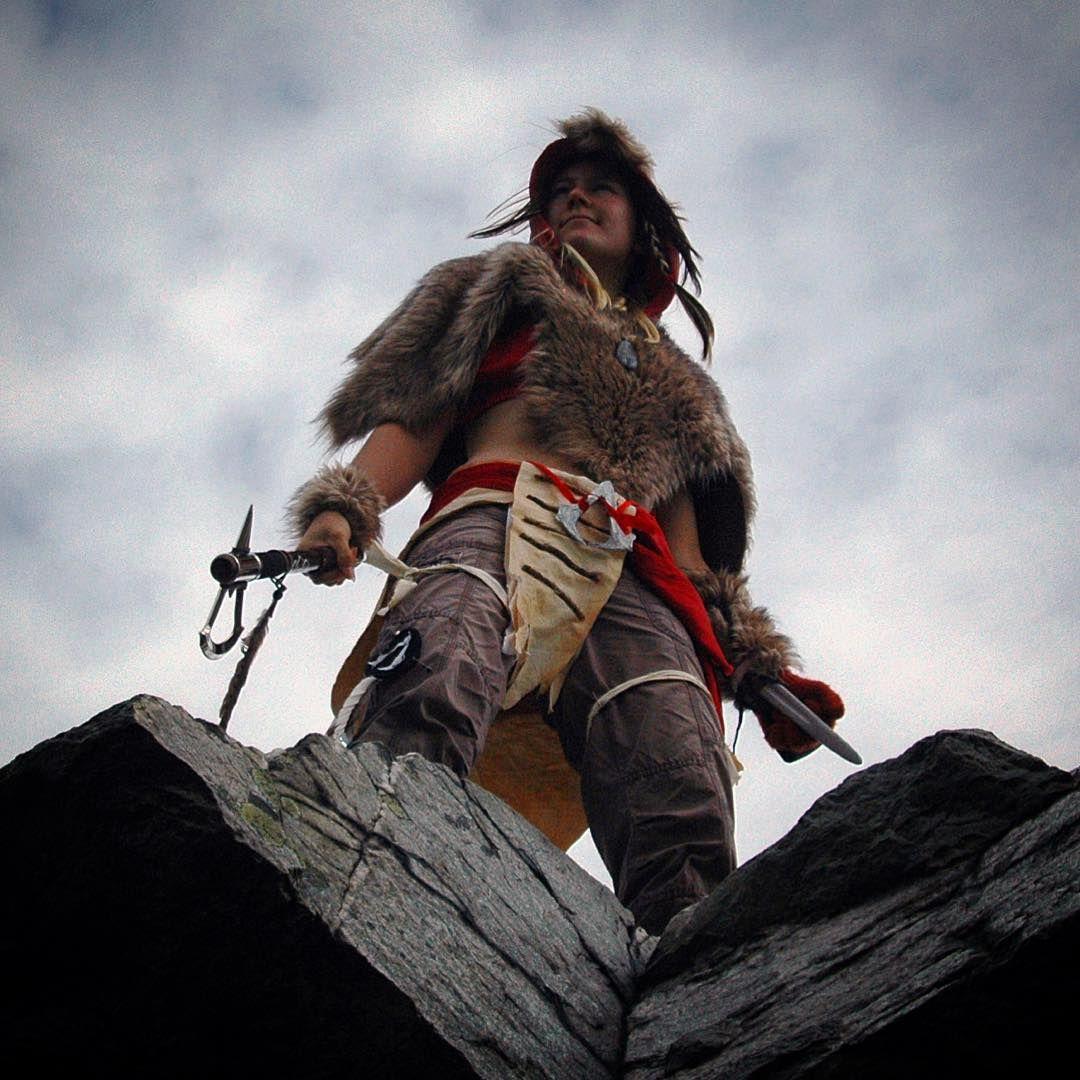 #indian #assassinscreed #assassin #nature #native #costume #cosplay #cosplayer #indianer #nativeamerika #braun #rock #sky