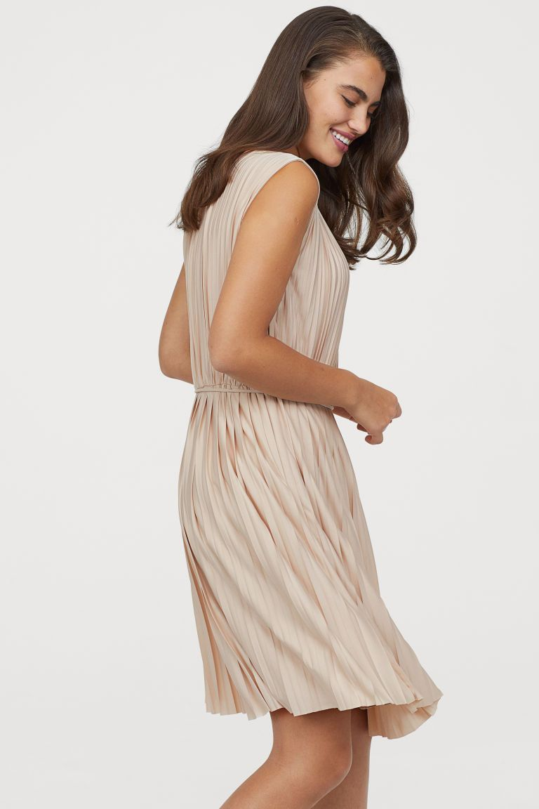 plissiertes kleid - hellbeige - ladies | h&m de | pleated