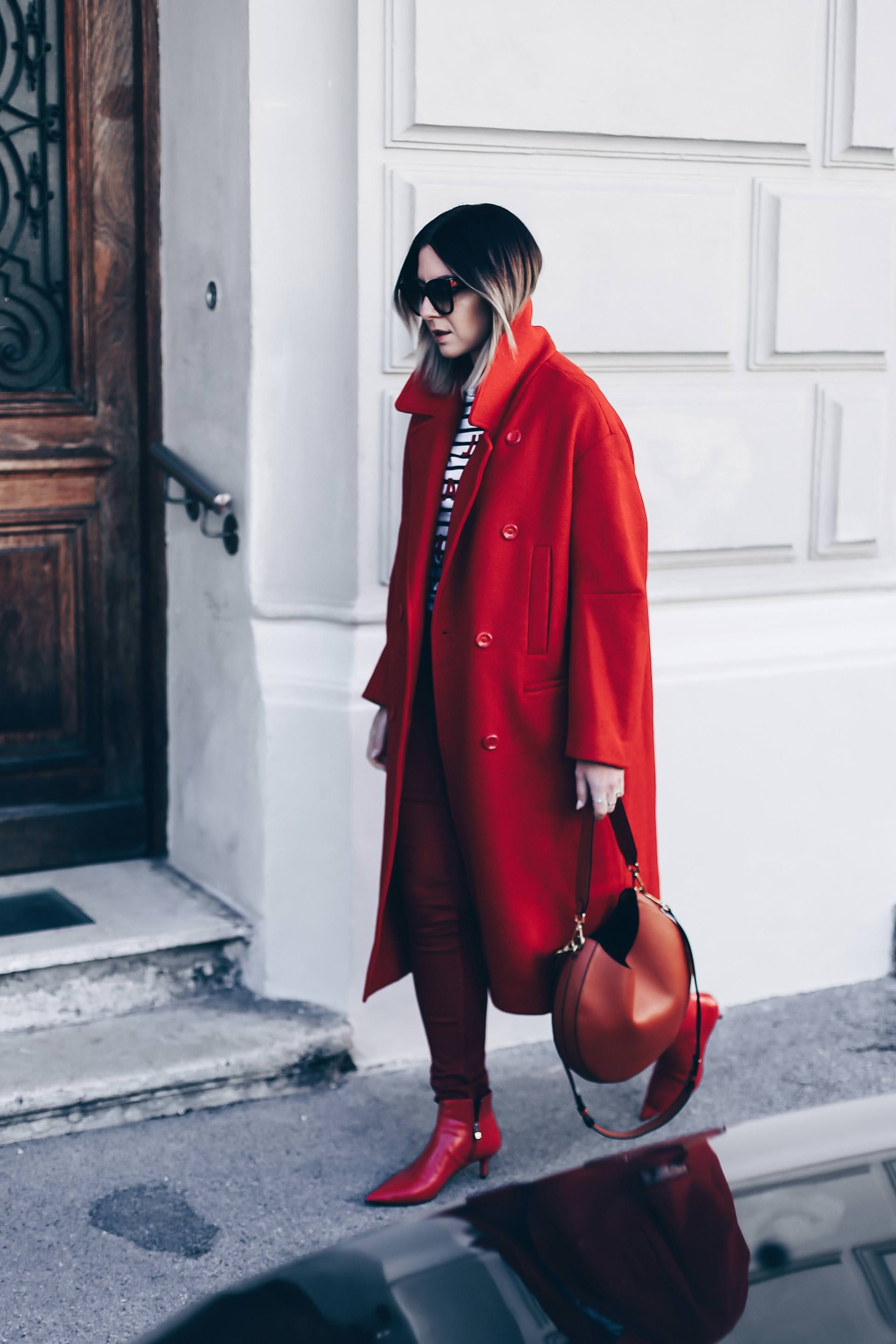 Red Colour Blocking, roter Mantel kombinieren, rote Ankle