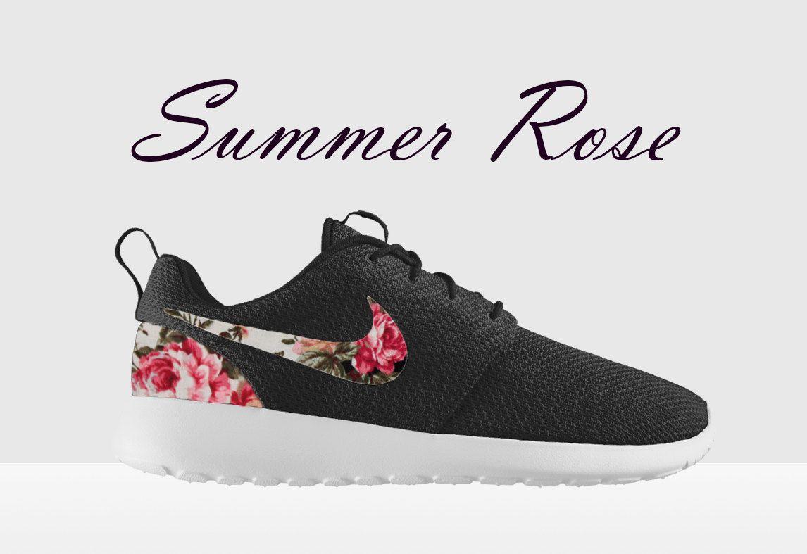 nike roshe run floral supreme