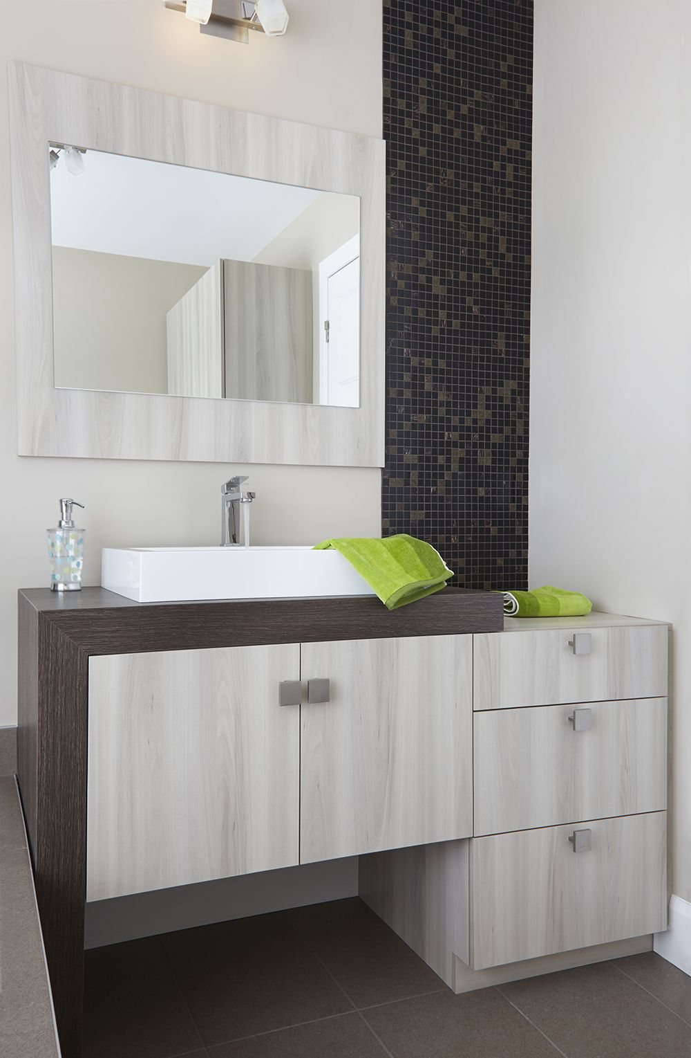 mur stratifi salle de bain good mur stratifi salle de bain with mur stratifi salle de bain. Black Bedroom Furniture Sets. Home Design Ideas