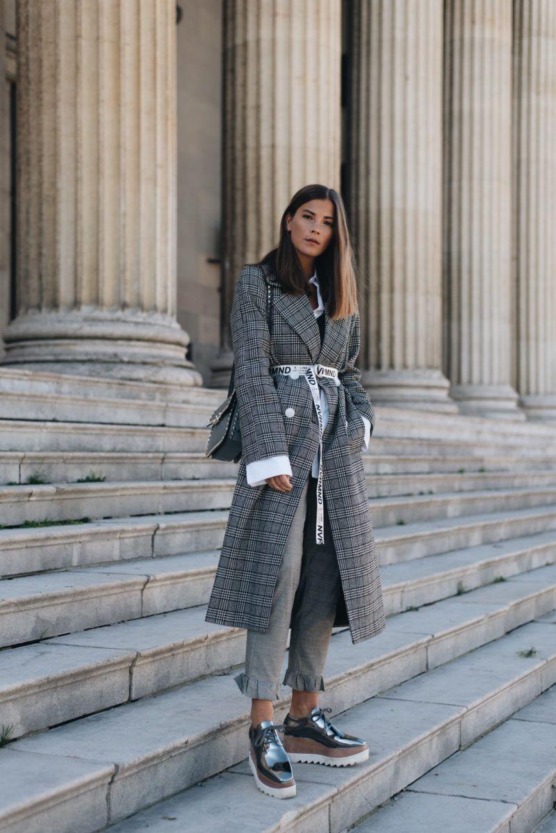 outfit mantel mit glencheck muster slogan grtel valentino garavani rockstud bag - Glencheck Muster