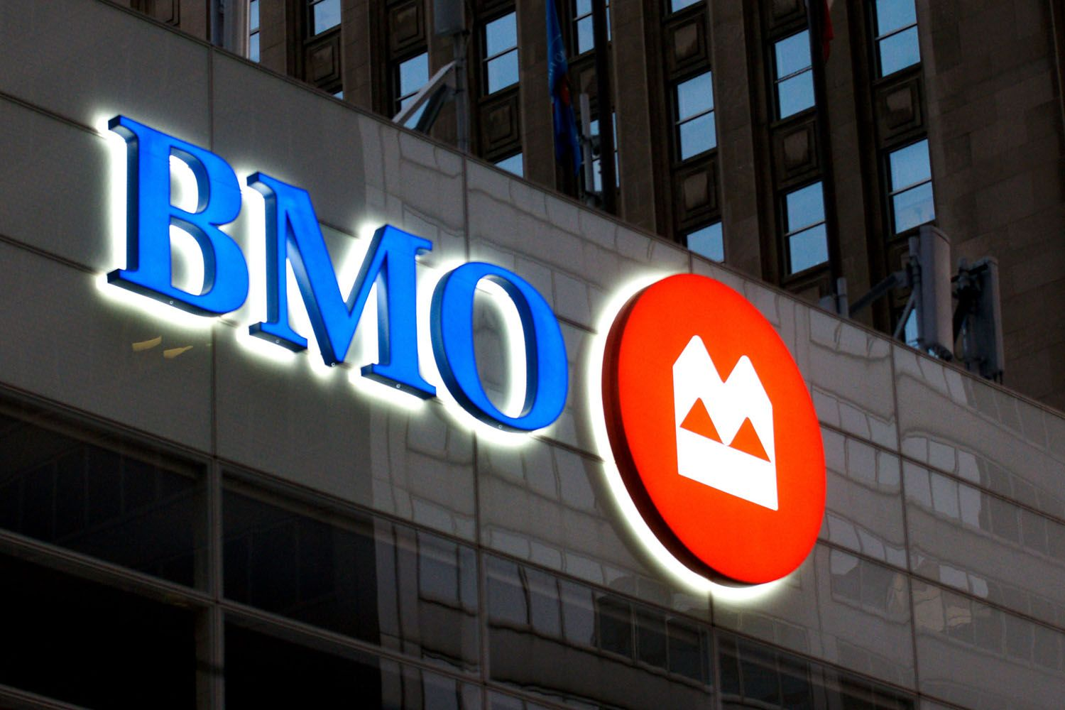 Bank Of Montreal Customer Service Phone Numbers Bank Of Montreal