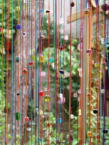 Rideau de porte avec des perles projet en cours avec de for Porte de cour