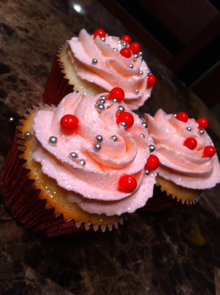 <3 Valentine Cupcakes