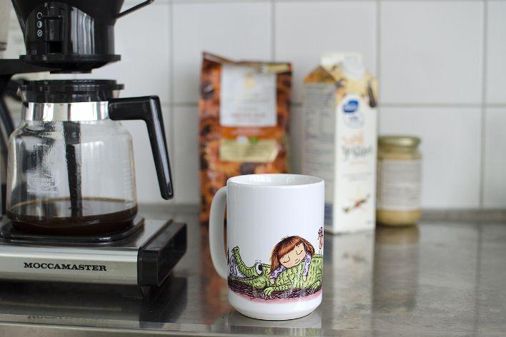 Jumbomugg, Tick Tack. Kaffebryggare, kaffe.  Illustration och foto: Emma Svalander