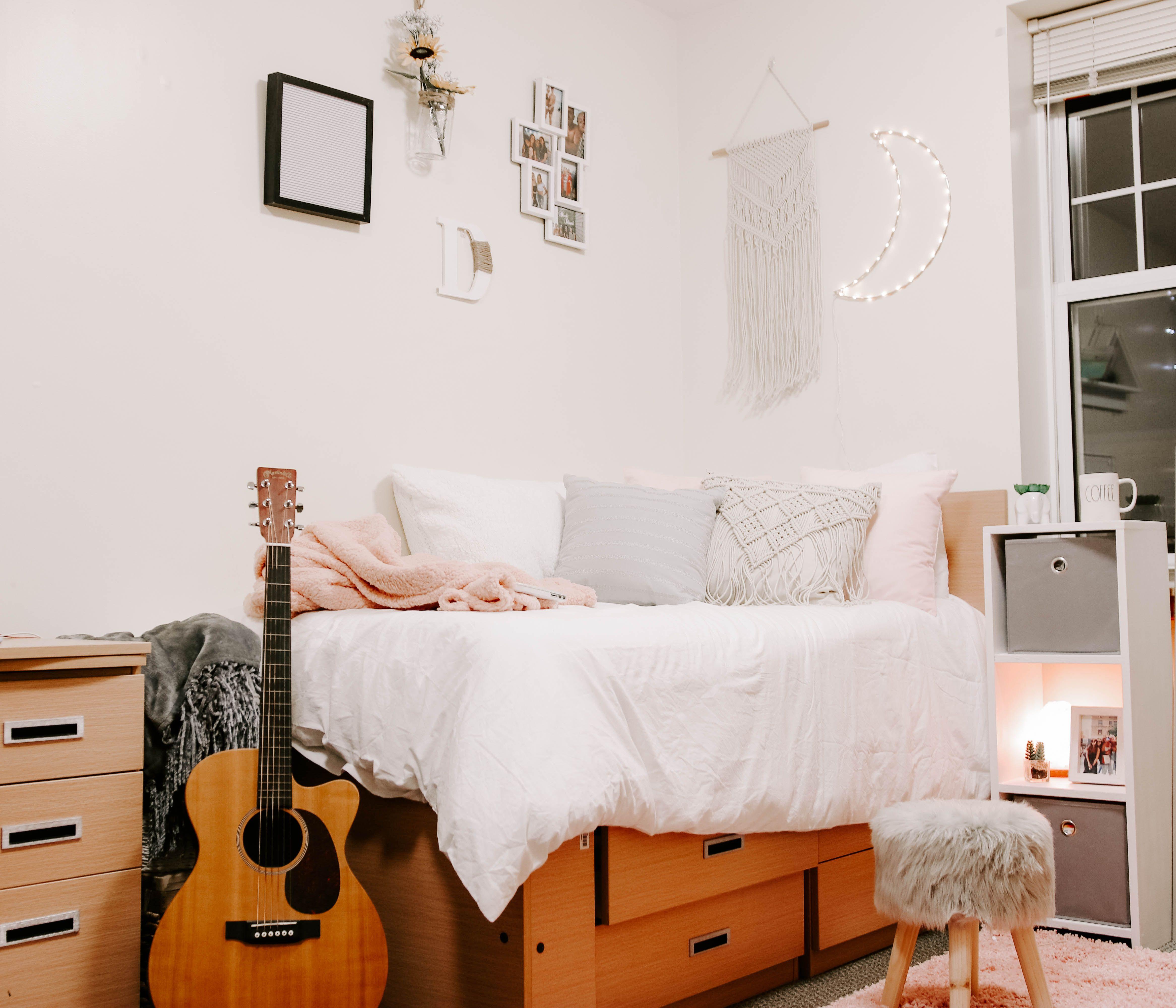 Bedroom decor Ideas   Room, Dorm, Decor