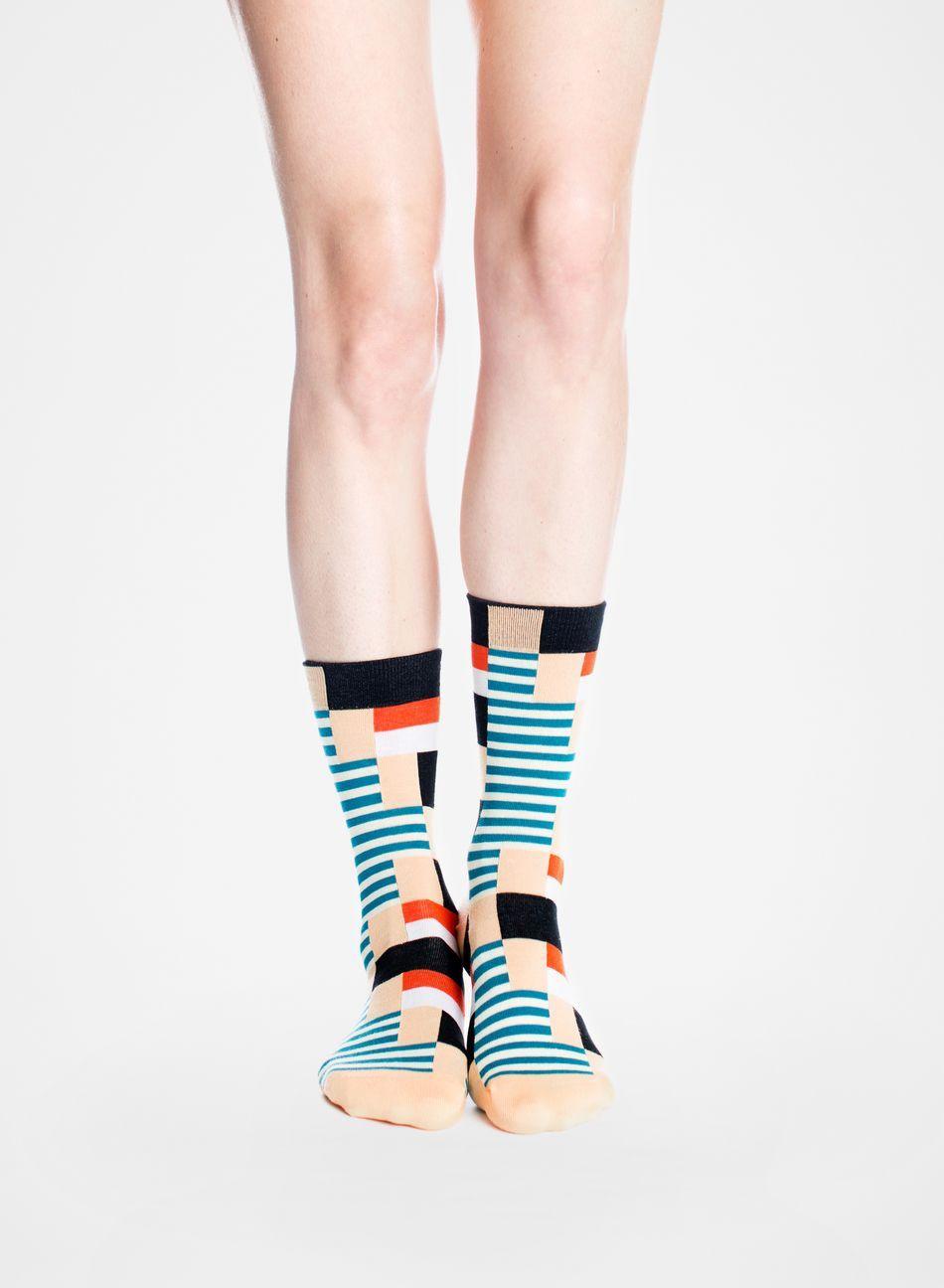 Vikkelä-sukat (persikka, musta, punainen) |Asusteet, Sukat ja sukkahousut, Laukut & asusteet | Marimekko