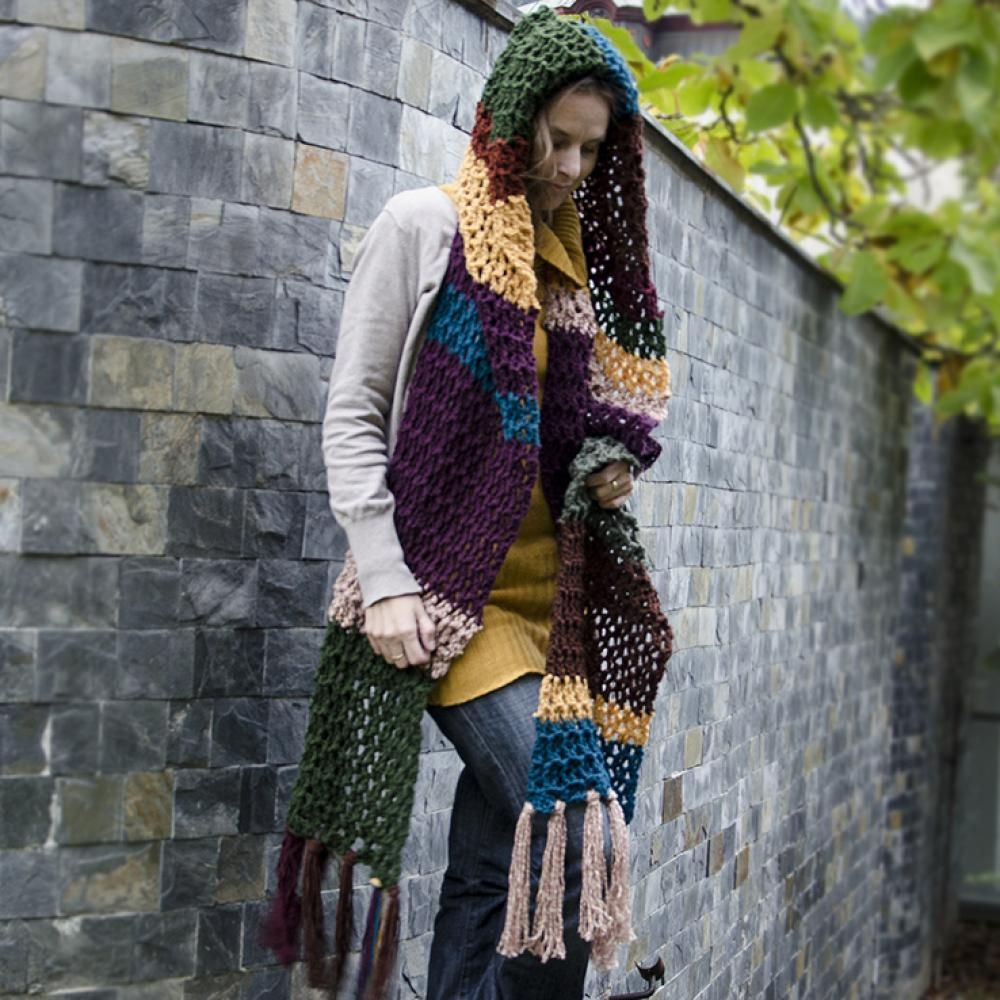 crochet scarf with hood. I wish I could read this pattern. This beautiful!!