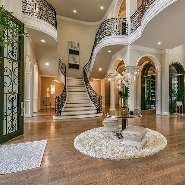 Foyer Goals 😍 #foyer #foyers #staircase #staircases #homes