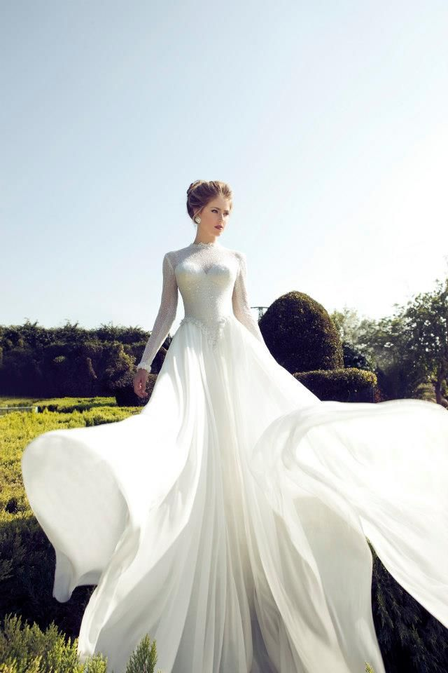 - Vestido de Noiva. Wedding dress.