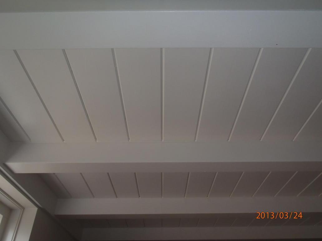 Plafond gg delen 135 mm met balken 100x100mm plafond authentiek en afgelakt idee n huis - Balken grijs geschilderd ...