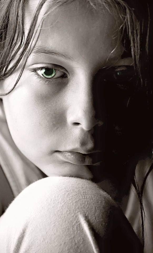 Aquella mirada que se perdía en la lejanía,tratando de posar su vista y encontrar una respuesta