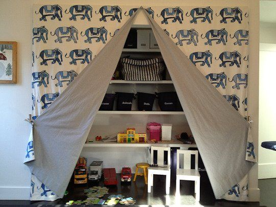 Family Friendly Playroom In Venice Kids Rooms Diy Storage Kids Room Kids Room Organization
