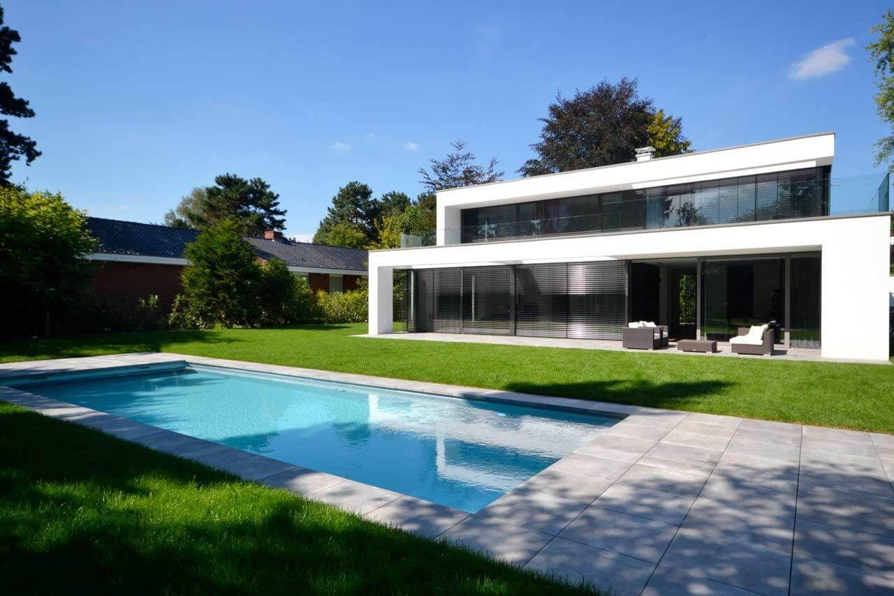 Design pool wasser im garten schwimmbad bauen for Schwimmbad im garten