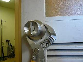 ドアノブの修理 ドアの修理も承ります ドアノブ ノブ ドア